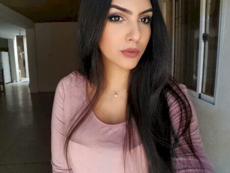 Adoptez une femme sexy très jolie