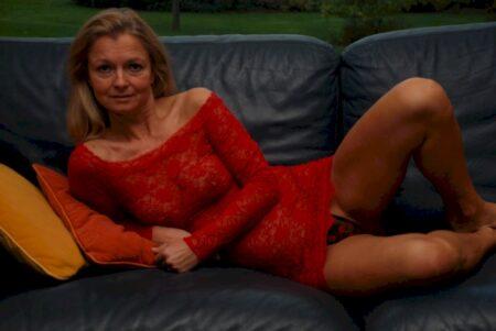 Femme adultère réellement chaude cherche un mec charmant