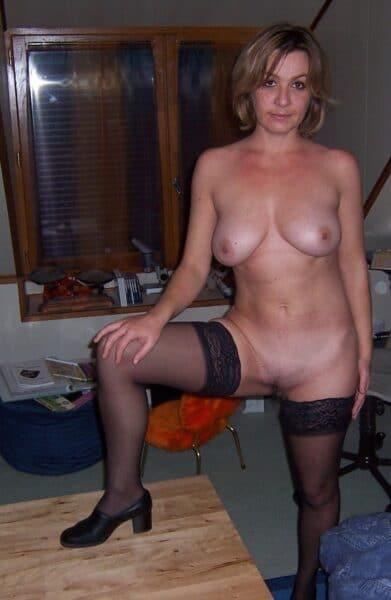 Femme cougar sexy cherche un coquin sur Paris