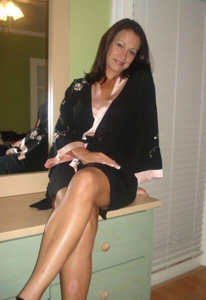 Femme infidèle sexy recherche son libertin sur le 04 pour du plan cul