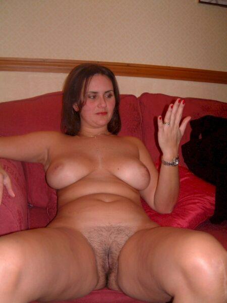 Femme infidèle sexy réellement chaude recherche un homme accompli