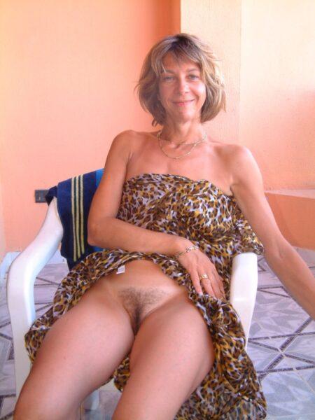 jeune femme coquine très chaude recherche un mec endurant